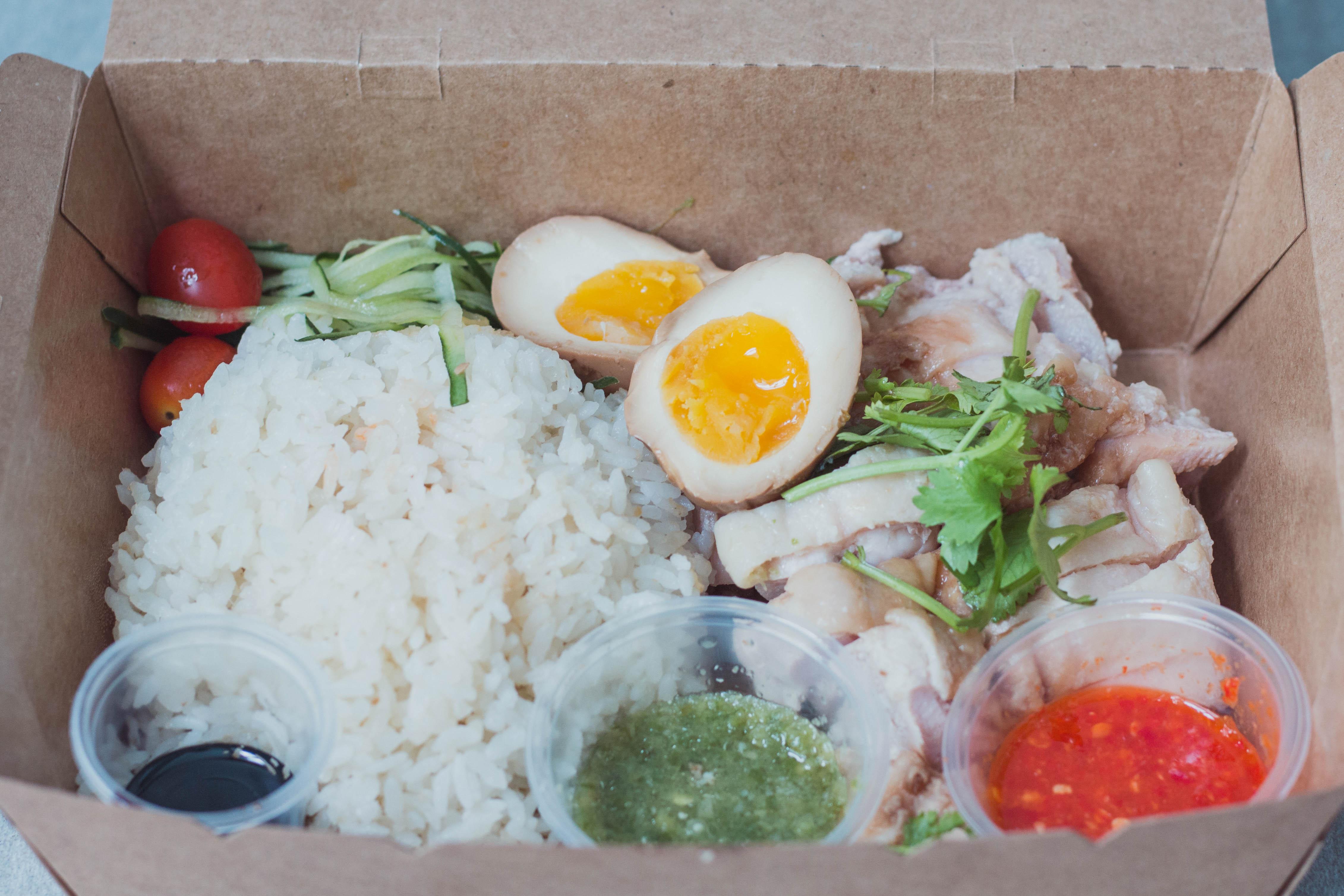 Makcik Chicken Confirm Steeemmm Chicken Rice